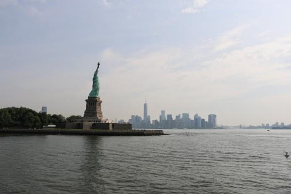 Vrijheidsbeeld New York met boot