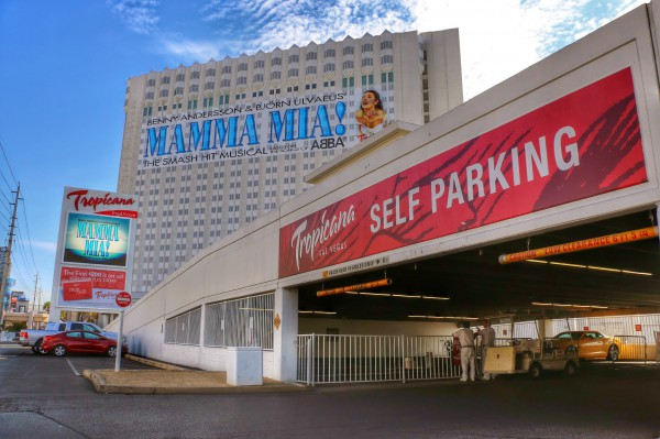 Parking Hotel Tropicana Las Vegas