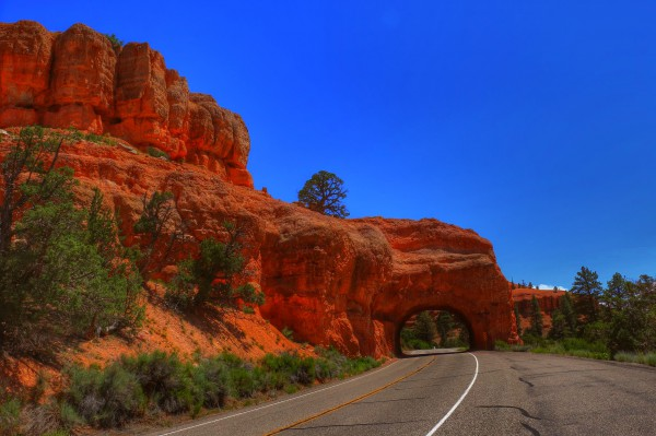Red Canyon arch to Bryce Canyon