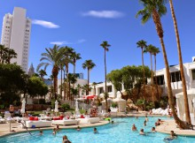 Zwembad hotel Tropicana
