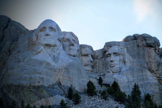 mount-rushmore-presidenten-in-rots