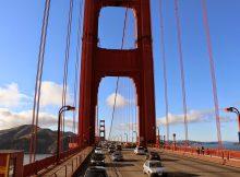 Over de Golden Gate Bridge rijden